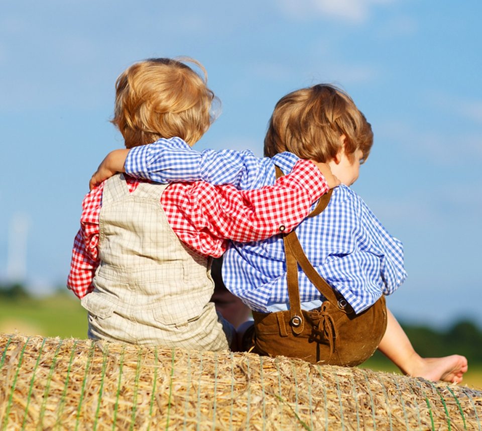 Childhood friends can form meaningful deep friendship for life